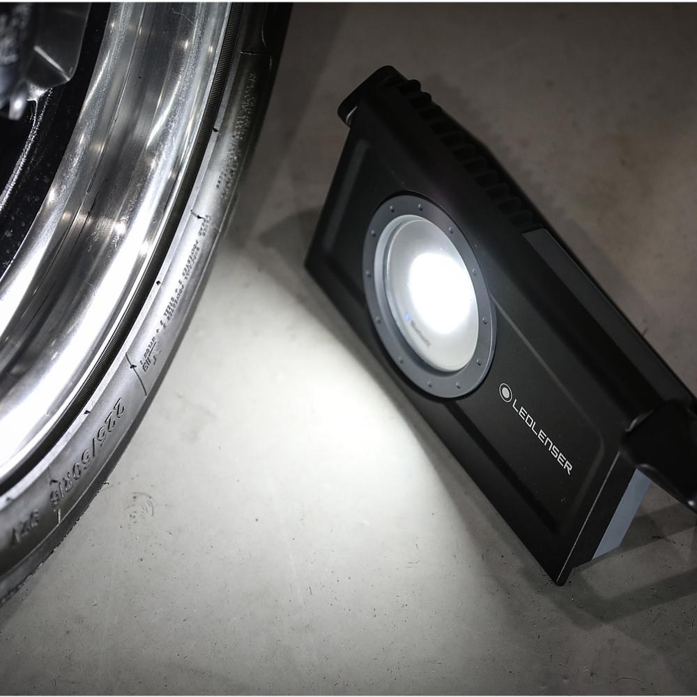 iF8R-502002-wartszat-auto-ledlenser